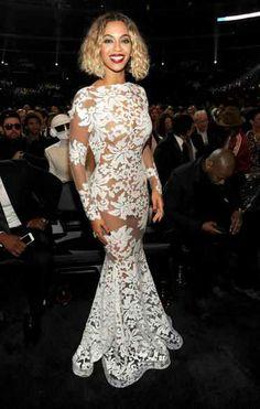 Gooooorrrgeous dress!! Perfect reception dress!!