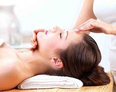 Rinascita al naturale: massaggio Modelage effetto lifting naturale al viso e décolleté sia per donna che per uomo a soli 39,9 € anziché 80 €. Risparmi il 50%! | Scontamelo
