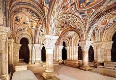 Romanesque art - WThe painted crypt of San Isidoro at León, Spain century Romanesque Art, Romanesque Architecture, Spanish Architecture, Beautiful Architecture, Architecture Design, Architecture Romane, Architecture Religieuse, Art Roman, Carolingian
