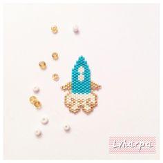 Silver Pendant For Women Peyote Beading Patterns, Seed Bead Patterns, Loom Beading, Bracelet Patterns, Miyuki Beads, Seed Bead Projects, Brick Stitch Earrings, Beaded Skull, Bracelet Crafts
