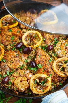Healthy Dinner Recipes : One Pan Greek Lemon Chicken Rice with Roast Garlic – Healthy & Lifestyle : Explore & Discover the best and the most trending Healthy Tips, Ideas & Inspiration Lemon Chicken Rice, Garlic Chicken, Greek Chicken Recipes, Chicken With Rice, Greek Roasted Chicken, Greek Food Recipes, Greek Style Chicken, Turkey Recipes, Dinner Recipes
