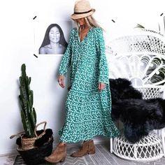 CASUAL DRESSES – dorryn Casual Dresses For Women, Dresses For Work, Dresses With Sleeves, Maxi Dresses, Formal Dresses, Tiffany Blue, Floral Print Maxi Dress, Dress Silhouette, Green Dress