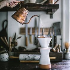 oldfarmhouse: Good Morning Welcome Wednesday Photocredit EvakosKomasFlores Coffee Spoon, Coffee Art, V60 Coffee, Coffee Cups, Coffee Maker, I Love Coffee, Coffee Break, Latte Art, Coffee Shop Aesthetic