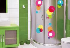 Some houses have more than one bathroom and when small home there is no better idea to dedicate one to create fun bathroom for children.