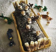 Bûche de Noël 2016 : génoise noisette, croustillant praliné, mousse au Dulcey et son insert crémeux à la noisette.