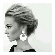 Love this wispy up do... little bit messy with structure and sixties style…