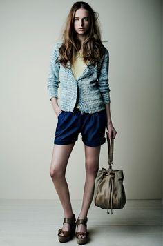 18073 Bolso Bag / 18158 Camiseta Top / 18531 Chaqueta Jacket / 18845 Shorts