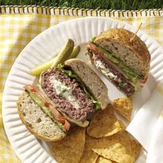 Jalapeno Popper Burgers    What do you get when you combine a jalapeno popper and a great burger? This great recipe!