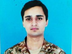 Lahore (Web Desk) - Isfand Yar Bukhari, a captain in Pakistan Army embraced shahadat in Badaber, Peshawar today. He graduated at the top of his class from Pakistan Pak Army Soldiers, Pakistan Armed Forces, Leading From The Front, Pakistan Zindabad, Men Casual, Country, Life, Bullets, Pakistani