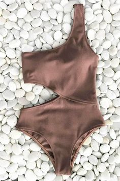 253a887557 Look like a top model in this swimsuit. Product Code  Details  One shoulder  With lining Cut-out at waist Removable padding bra Regular wash Special  fabric ...