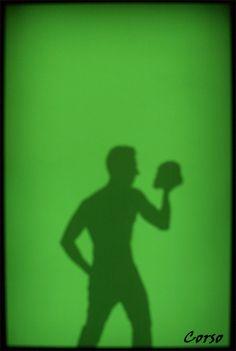 autorretrato sobre glub de sombras del Escultor Lidó Rico