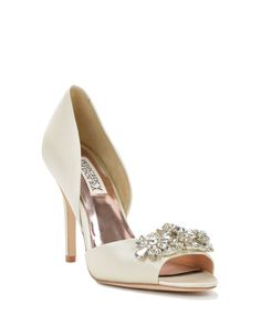 "Giana Embellished Toe Evening Shoe worn by Santana in Glee's ""A Wedding"" episode. #glee #wedding"