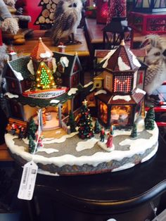 Have your own little #ChristmasMarket with this #holiday piece!