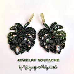 Shibori, Tiny Stud Earrings, Diy Earrings, Bead Embroidery Jewelry, Beaded Jewelry, Handmade Necklaces, Handmade Jewelry, Gold Bridal Earrings, Soutache Necklace