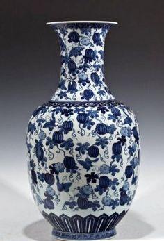 Large Chinese Antique Blue & White Porcelain Vase