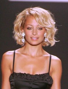Nicole Richie Best Bob Hairstyles. This is cute.