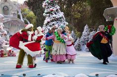 Tram Tour: Whoville on the Backlot
