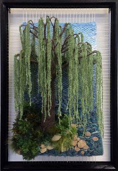 At TheWaters Edge par Dimensional Weaving. Pin Weaving, Weaving Art, Tapestry Weaving, Loom Weaving, Art Fibres Textiles, Textile Fiber Art, Sauce Arbol, Willow Tree Art, Colchas Quilt