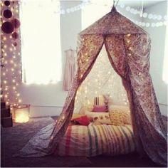 play tent / reading corner