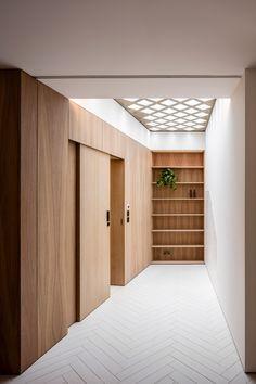 Hayhurst uses glazed atrium to illuminate interior of compact London home - June 30 2019 at Houses Architecture, Architecture Courtyard, Interior Architecture, Best Interior, Interior And Exterior, Interior Doors, Minimal Home, London House, Wood Interiors