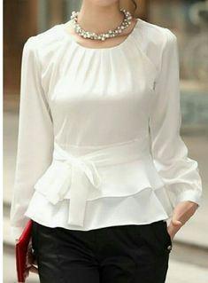 Layered Long Sleeve White Tie Front Blouse Source by herrera_arriaga Trendy Tops For Women, Blouses For Women, Blouse Styles, Blouse Designs, Look Fashion, Womens Fashion, Fashion Ideas, Cheap Fashion, Fashion 2017