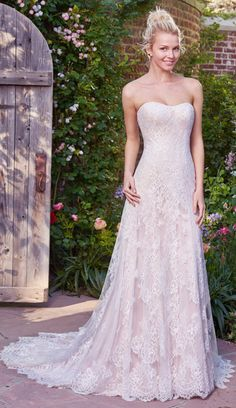 Elegant Tulle & Lace Strapless Neckline Sheath Wedding Dresses With Lace Appliques