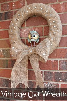 Vintage Burlap Owl Wreath--wrap foam wreath with burlap and stick on sparkles Burlap Projects, Burlap Crafts, Wreath Crafts, Diy Wreath, Tulle Wreath, Burlap Wreaths, Owl Wreaths, Deco Mesh Wreaths, Holiday Wreaths