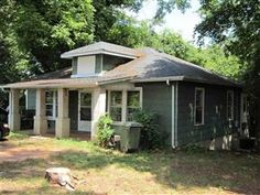 215 Butler Street Clemson, SC 29673 3bd | 1ba   Cute as a button, little bungalow in the heart of Clemson. Minutes to everything including Clemson University and walking distance to Clemson Arts Center and shopping.  #Clemson #clemsonhomes #clemsonrealestate #forsaleinclemson