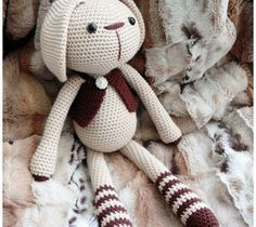 Patron Amigurumi Crochet : Lucas le Lapin – Made by Amy