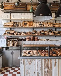 Fabrique London morning supplies who has been to the new NY Fabrique? Bakery Shop Interior, Bakery Shop Design, Coffee Shop Interior Design, Coffee Shop Design, Restaurant Design, Bakery Store, Bakery Cafe, Bakery London, Design Café