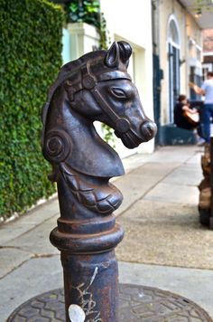 Cast Iron Horse Head Hicking Post