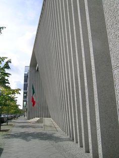 Embajada de México de los arquitectos Teodoro González de León y Francisco Serrano, en Berlín.