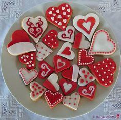 Biscuits for Valentine's day - by ilmondoditema @ CakesDecor.com - cake decorating website