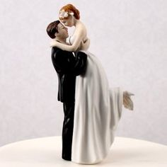 Oh my gosh I saw this and fell in love. Amazing. I want this. Wedding Cake Topper weddings