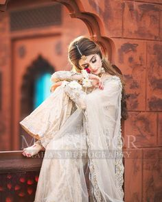 "Maha Wajahat Khan on Instagram: ""Gorgeous @emaankhan 💕💕 Stay Tuned 😍😍 @faizas.salon #mahasphotography @mahawajahatkhan @mahasphotographyofficial #femalephotographer…"""