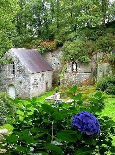 Notre Dame-de-la-Fosse ~ Ploerdut ~ Bretagne ~ France