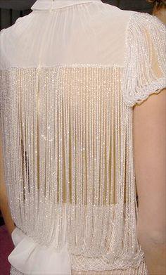 Viktor & Rolf haute couture embellished back details Estilo Fashion, Moda Fashion, Runway Fashion, High Fashion, Womens Fashion, Couture Details, Fashion Details, Fashion Design, Fashion Ideas