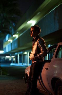 Ryan Gosling as The Driver of 'Drive', a film by Nicolas Winding Refn. Cinematic Photography, Night Photography, Series Quotes, Drive 2011, Neon Noir, Non Plus Ultra, Movie Shots, Kino Film, Film Inspiration