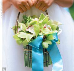 flower girl basket - something similar, but matching to my arrangement