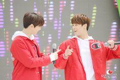 [23.04.16] Sharing Hope 1m 1won Charity Walk Event - EunWoo e MoonBin