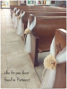 21 Stunning Church Wedding Aisle Decoration Ideas to Steal - hochzeit Dekoration - Tulle Wedding Decorations, Church Pew Decorations, Sunflower Decorations, Flowers Decoration, Wedding Pew Bows, Wedding Centerpieces, Wedding Bouquets, Quinceanera Decorations, Wedding Dresses