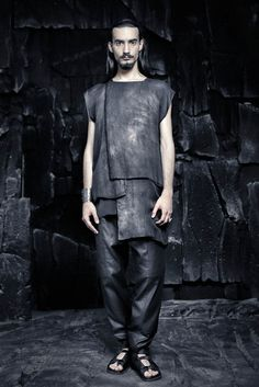 SS16 CRUST OF MOON Unisex Fashion, Mens Fashion, Avantgarde, Dystopian Fashion, Post Apocalyptic Fashion, The Future Is Now, Cute Girl Outfits, Dark Fashion, Modern Man