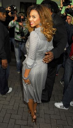 50 Shades of Grey (dresses) Beyonce in a grey dress