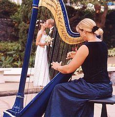 A harpist for wedding music Wedding Who Pays, Next Wedding, Hawaii Wedding, Dream Wedding, Classical Wedding Music, Indie Festival, Wedding Dance Songs, Low Cost Wedding, Ireland Wedding