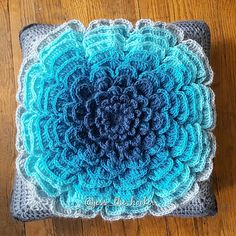 Ravelry: itsjessme's The NeverEnding Wildflower Pillow