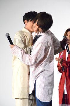 俳優の菅田将暉が17日、都内で行われた映画『帝一の國』応援上映&大ヒット御礼舞台挨拶に、共演の野村周平、竹内涼真、間宮祥太朗、志尊淳と共に登場した。
