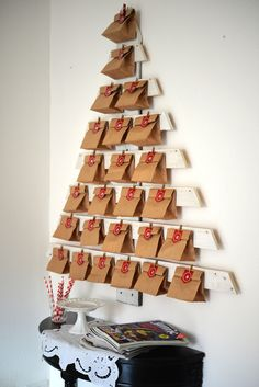 Simple Christmas, Christmas Holidays, Christmas Gifts, Christmas Decorations, Xmas, Easy Christmas Crafts For Toddlers, Diy Advent Calendar, Theme Noel, Christmas Inspiration