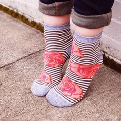 NWT Bloomies Crew Socks LEAVE A COMMENT AND I'LL CREATE A NEW LISTING FOR YOU! ❤️ Made in the USA and designed in Seattle these super cute socks from Peony & Moss are 80% cotton, 15% nylon, 5% spandex. Extremely comfortable and my new go to brand for all my socks!! Final price unless bundled. NO trades Peony and Moss Accessories Hosiery & Socks