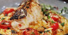 En kraftig smakrik risotto med sting! Gör själva risotton med vitt vin, paprika och färsk chorizo, servera sedan risotton med en fin timjanstekt torskrygg och citronmarinerade tomater. En riktig festmåltid!