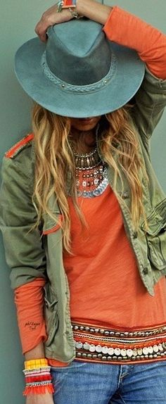 I LOVE THIS SHIRT!!  Don't know if I have the guts to wear it, but it is so cute!! Boho chic bohemian boho style hippy hippie chic bohème vibe gypsy fashion indie folk